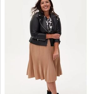 CAMEL BELTED ACCORDION PLEATED MIDI SKIRT